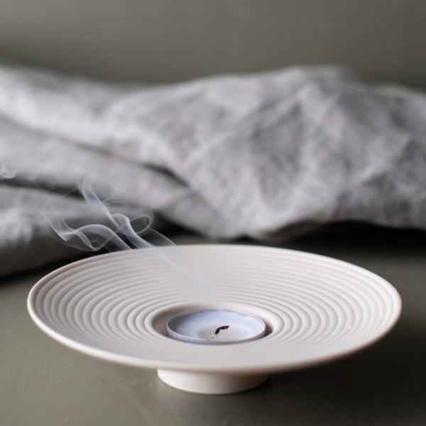 Tveta Large beige tealight holder